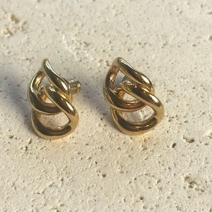 Vintage 80s 90s  Gold Tone Earrings